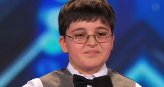 Le petit génie du piano plein d'humour vous fera craquer