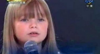 Adorabile bimba di 6 anni interpreta magistralmente Whitney Houston