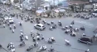Eine ganz normale Kreuzung in Ho-Chi-Minh-Stadt