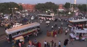 La calle de la India haria enloquecer tambien al mas experto de los automovilistas!