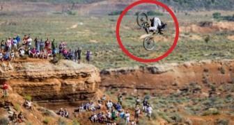 Un des sauts mortels les plus courageux de l'histoire du VTT