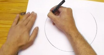 Look at how you can draw a perfect circle freehand !