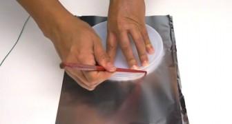 Buscas una decoracion brillante y facil de crear? Armate de papel de aluminio...