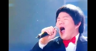 This guy chooses an unexpected song: his performance is a BOMB !