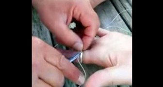 A ring is stuck on your finger ? Here's an amazing trick to remove it in just a few seconds !