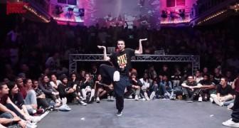 Deze danser is ongelooflijk. Je gelooft je ogen niet!