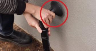 Installeer een nep buis naast de voordeur. De reden zal je verbazen!