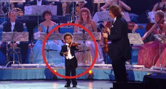 A three year old violinist performs in front of 18,000 people: his talent is impressive !