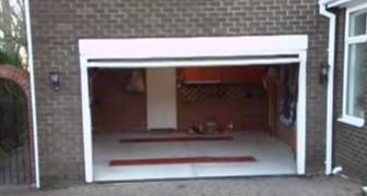 Parece impossível colocar dois carros nesta garagem, mas o vídeo mostra um truque genial!