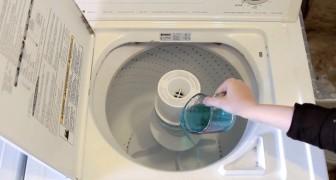 Versa del collutorio nella lavatrice... il suo trucco vi sarà utilissimo!