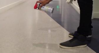 Ze spuit smeermiddel op de vloer: deze alternatieve toepassing had je niet verwacht!