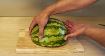 Voilà une manière BRILLANTE pour servir de la pastèque... A essayer!