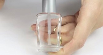 You want to create your own NAIL POLISH in less than 5 minutes? Here's how!