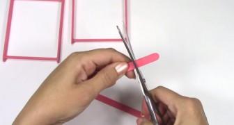 Hier zie je hoe je een leuke houder voor je mobiel kunt maken met een paar eenvoudige ijssttokjes