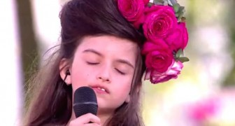 This little girl is only eight years old but leaves the crowd speechless. Her style is enchanting !