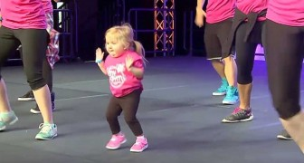 She jumps on stage and immediately steals the show from the dancers: look at her feet ... Wow!
