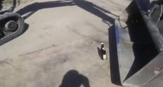 Un modo alternativo per aprire una birra