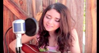 Ein junges Mädchen singt einen Klassiker von Elvis: Das Ergebnis ist eine Meisterwerk!