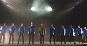 Hun harmonie is PERFECT, maar als de lichten aangaan, barst het spektakel pas echt los