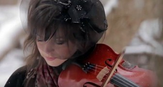 She play a Christmas song like you've never seen before