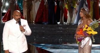 Il presentatore incorona Miss Universo... ma poi si accorge di un TERRIBILE dettaglio