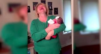 Elle voit son petit enfant pour la première fois: sa réaction est éblouissante!