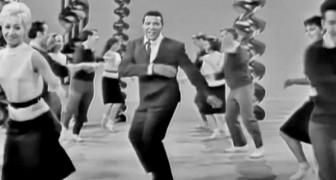 Hij trad in 1960 op met dit nummer: meer dan 50 jaar later dansen mensen nog steeds op dit nummer!