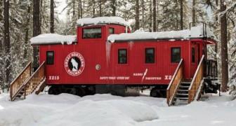 Nessuno vorrebbe abitare in un vagone treno, ma aspettate di vedere il suo interno...