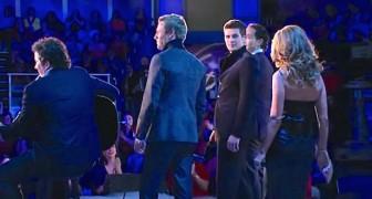 Een wereldster verrast een groep tenoren... het einde bezorgt je kippenvel!