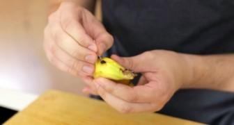 Hij doorboort een banaan met een naald: deze truc werkt verbluffend goed