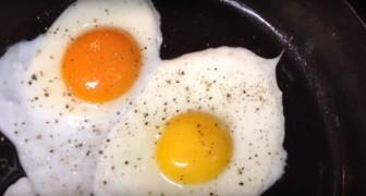 Slechts één van de twee eieren is afkomstig van een scharrelkip: weet jij welke?