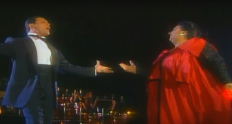 Freddie Mercury takes the stage with a famous opera singer: the duet is wonderful!
