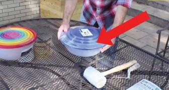 Deze man maakt gebruik van twee kunststof kommen om een origineel object te maken voor in zijn tuin