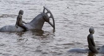 Ecco le bellissime foto di queste sculture che si possono ammirare solo con la bassa marea