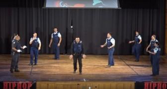 La polizia neozelandese cerca nuova reclute: l'invito a unirsi a loro è davvero UNICO!