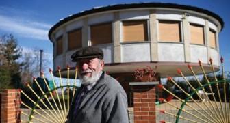 Un pensionato si costruisce una casa rotante: ecco il suo progetto geniale per stare sempre al sole