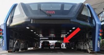 El autobus que pasa sobre los autos se convirtio en realidad: aqui con ustedes esta joya de la tecnologia!