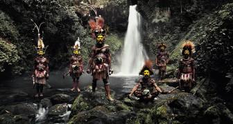 Een Fotograaf Trekt Erop Uit Om De Meest Zeldzame Volksstammen Op Te Zoeken... Voordat Ze Uitsterven