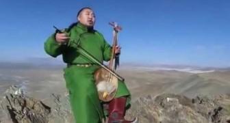 Deze man laat ons een oude Mongoolse zangstijl horen: het effect is magisch!