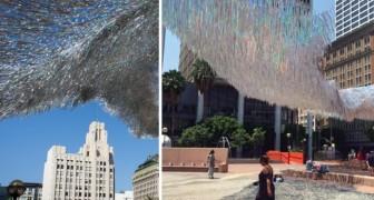 Migliaia di filamenti ondeggiano sulla piazza: godetevi l'incantevole video... a 360 gradi!