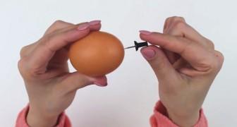 Elle perce un œuf avec une épingle: voici une petite astuce qui vous fera gagner du temps