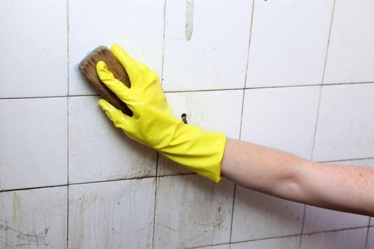 Een eenvoudig huishoudelijk trucje om tegels zonder moeite for Tegels zonder voeg