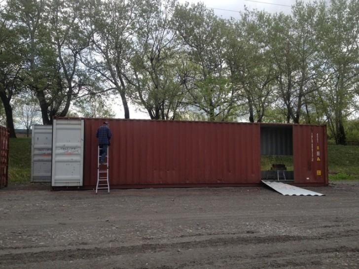Una ragazza acquista dei container per navi e li trasforma in una casa da capogiro - Huis in containers ...