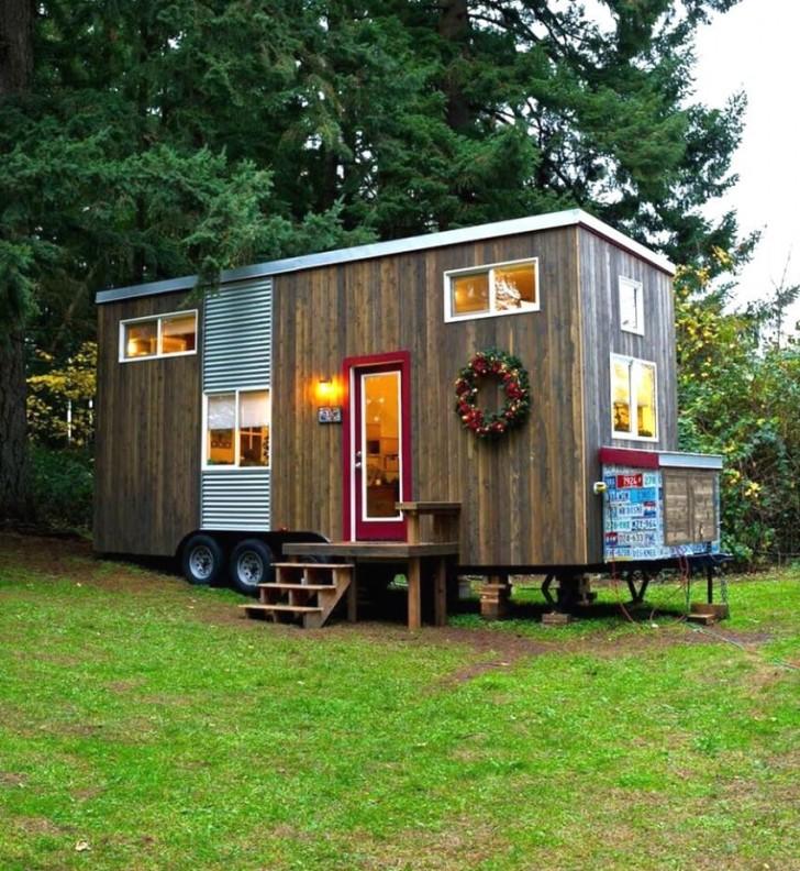 elle ach te une vieille caravane et la transforme en une maison parfaite pour passer ses vieux. Black Bedroom Furniture Sets. Home Design Ideas