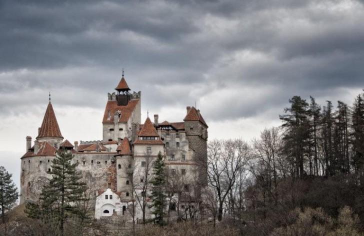 De Verkoop Van Het Kasteel Van Graaf Dracula  Een Fascinerend En Mysterieus Juweel   Curioctopus nl