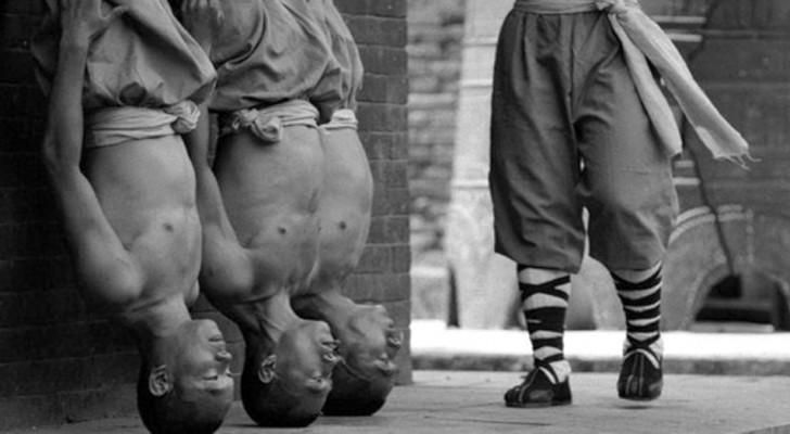 Gli allenamenti dei monaci Shaolin: le stupende immagini di una tradizione millenaria