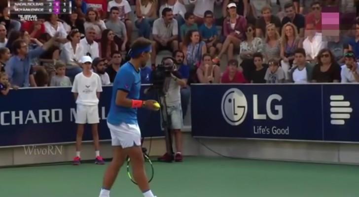 Rafael Nadal unterbricht das Match als er eine Frau weinen hört: hier der Grund dafür