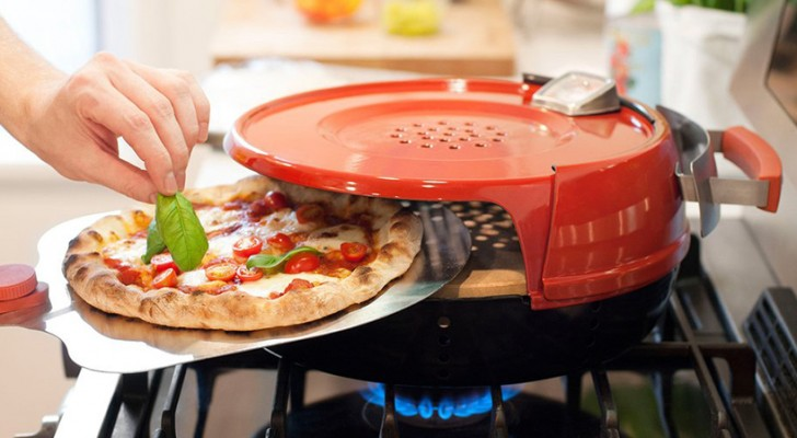 Make delicious pizzas in minutes with this stovetop oven!