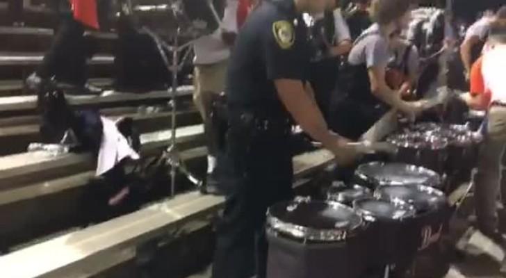 Tijdens een  evenement loopt een agent recht op de drums af: zijn talent blaast iedereen omver!