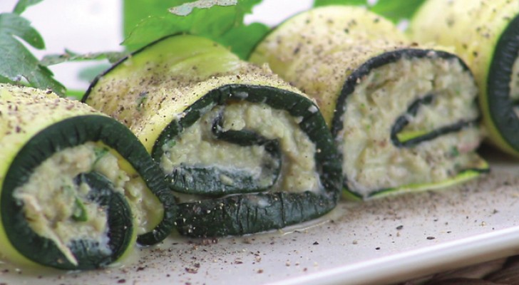 Rolinhos de abobrinha muito originais: os ingredientes do recheio vão te surpreender!